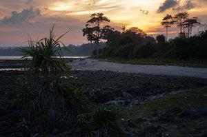 Закат, отлив, андаманы